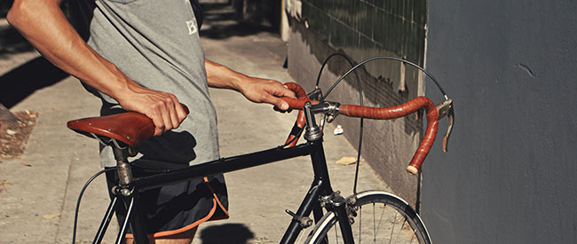 bicicleta con zorzal y cintas-web-larga